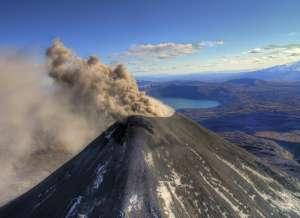 Камчатский вулкан Карымский. Фото: http://deita.ru