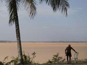 Токсичные отходы из прорвавшейся в Бразилии дамбы хлынули в воды Атлантики. Фото: Reuters