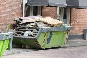 В некоторых случаях вывоз мусора специализированными предприятиями обязален.