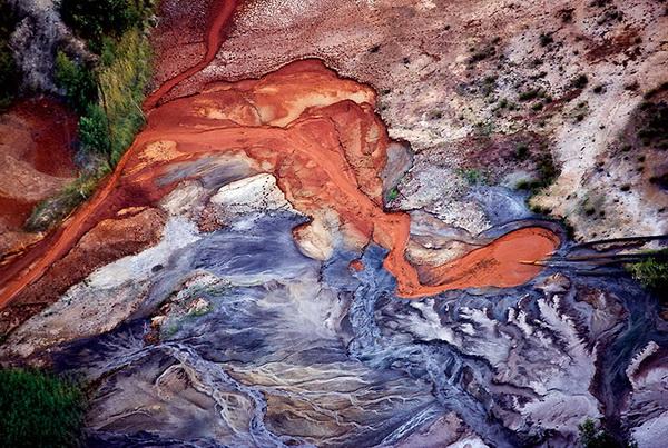 Индустриальные шрамы природы
