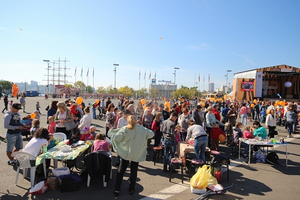 Фотофакт: Многотысячное карнавальное шествие в честь Дня тигра во Владивостоке