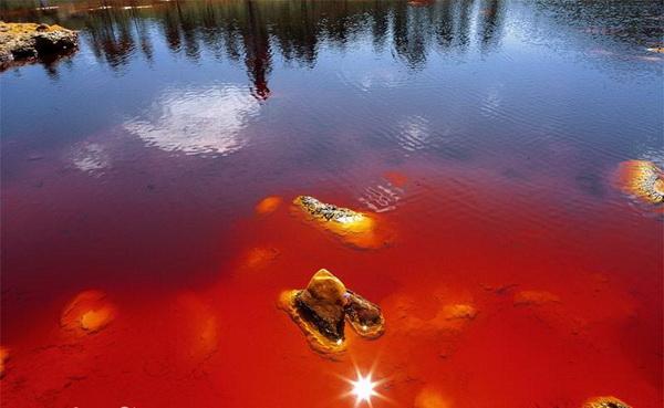 "Фотофакт: Рио Тинта - ""марсианская"" река на Земле"